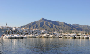 Banus port