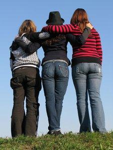 3 friends 5