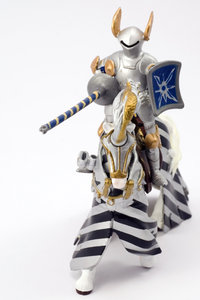Knight champion spearman 2: Plastic model of medieval cavalery knight in tournier armour