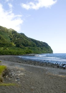 Hawaiian Coast: Black sand beach of Maui.