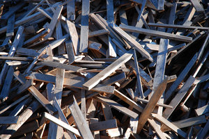 Construction Waste: Construction wood waste texture.Many thanks to H. Walfridsson and colleagues at RGS90 for giving me access to the disposal area.Link to my other waste photos:http://www.sxc.hu/browse. ..