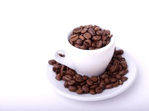 Coffeebeans in espresso cup