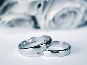 Blue wedding rings: blue wedding rings