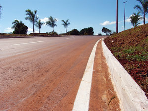 > Road 1: Via L4 de Brasília. Brasil.L4 of Brasilia. Brazil.The photo is free, however it will be possible credits the photo: Marcelo Terraza Foto livre, porém se for possível credite a foto. Marcelo Terraza