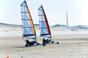 Beach sailing: Outdoor sports