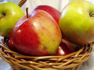 apple basket 02