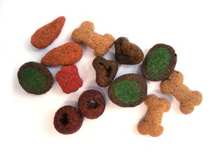 Dry Dog Food 2: Colorful dry dog food