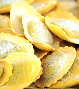 Fresh Pasta: Fresh pasta on a market