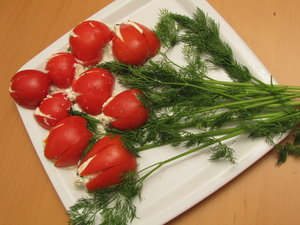 food deco: tulip bunch / tomato & cheese cream