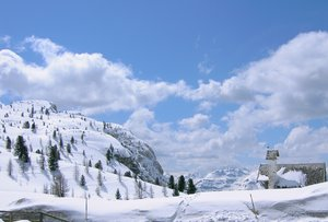 winter in the dolomite alps