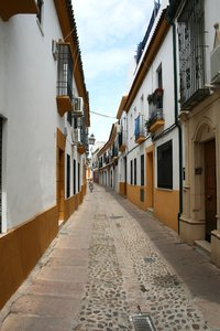 Spanish alley 01: An alley in Cordoba, Spain.