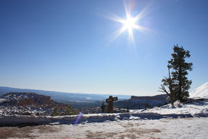 Snow Canyon 2: A bright view on the bryce canyon covered with snow.