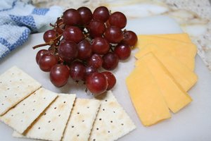 Crackers, Grapes, Cheese Snack