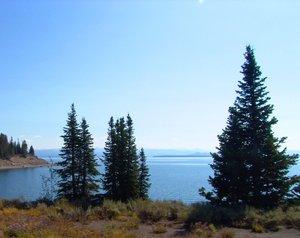 Lake Yellowstone, Yellowstone