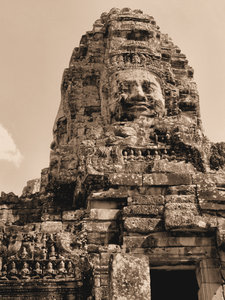 ancient angkor faces2