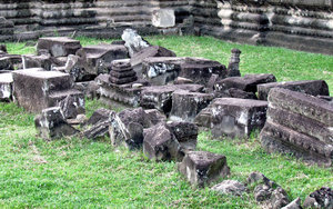 Angkor Wat stonework6: artistic carvings and stonework at Cambodia's Angkor Wat temple complex