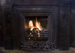 19thC Fireplace: In England I grew up in coal country and this a nightly sight. Now it is a rarity.