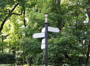 guidepost in the park