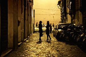 Roman street: Night life in Rome