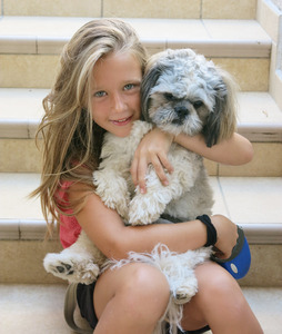 best friends 3: the little girl and her dog