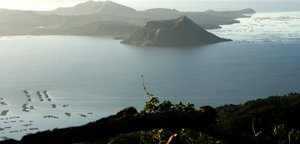 Taal Volcano: no description