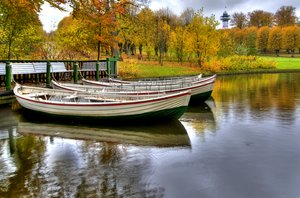 Autumn boats - HDR