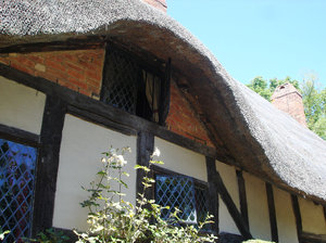 Anne Hathaway's Cottage2: Anne Hathaway's Cottage, made famous on chocolate boxes and tea towels, is arguably the most picturesque of the Birthplace Trust properties. The cottage nests in the idyllic setting of Shottery, which lies a mile west of Stratford. The cottage belonged to