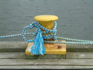 Pier Pole: Bollard in a little harbour to fix the fishing boats.