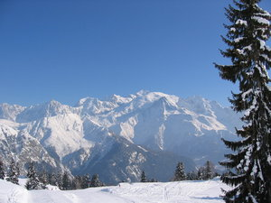 Mont Blanc mountain and ski