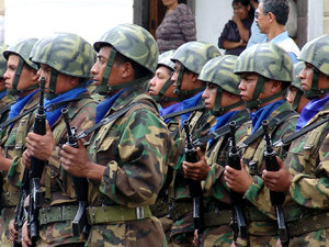 Soldiers: Group of soldiers in military event. Ecuador