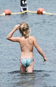 Swimming: Girl entering the water