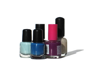 colorful nailpolishes