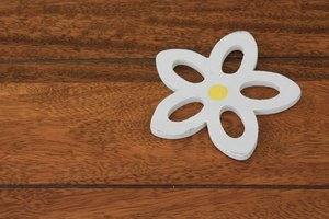 Flower heat mat on table