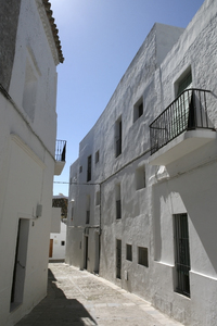 Spanish alleyway: An alleyway in a village in southern Spain.