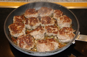 Meat balls: Frying meat balls