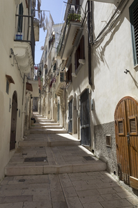 Alleyway: An alleyway in a town in southern Italy.
