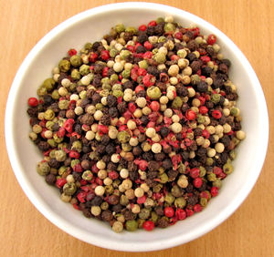 bowl of mixed peppercorns1